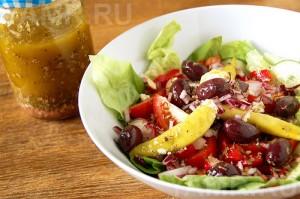 Лёгкий летний салат со сладким соусом